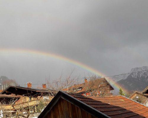 Regenbogen über Vorderhindelang